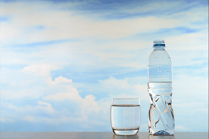 WHY YOU SHOULDN'T DRINK WATER IMMEDIATELY BEFORE AND AFTER MEALS